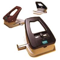 Praktisk stansemaskine med 3 funktioner, aflangt hul 3 x14 mm. rundt hul 6 mm. i diameter og hjørnerunder.  Maskinen leveres med indstillelig anlægsskinne. Fra www.rddata.dk