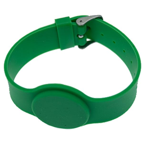 Grønt silikone armbånd med mifare S 50 1K. kompatibel Chip. EEPROM: 1 KB organiseret i 16 sektorer à 4 blokke à 16 byte. Justerbar rem.