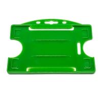 Grøn åben kortholder i hård plast til 1 kort, horisontal eller vertikal.  Kortholderen kan forsynes med halssnor, seleclips, yoyo m.m.