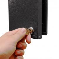 Kortholder til 2 x 25 kort horisontal med lås til sikker opbevaring af kort. Metal med lås. Køb den på www.rddata.dk