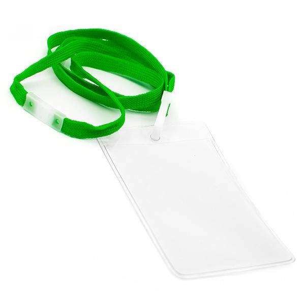 Vertikal kortholder i blød, blank, transparent plast med 10 mm grøn halssnor med sikkerhedslås og plastkrog. Passer til standard kort str. 86 x 54 mm. Altid kæmpe udvalg i plastkort, kortholdere, lanyards mm. hos RD Data